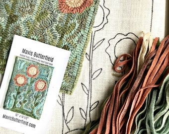 RUG HOOKING KIT - Primitive Flowers on Linen with Hand Dyed Wool