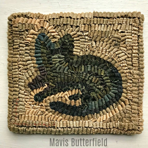 Rug Hooking Pattern Simple Kitty on Linen