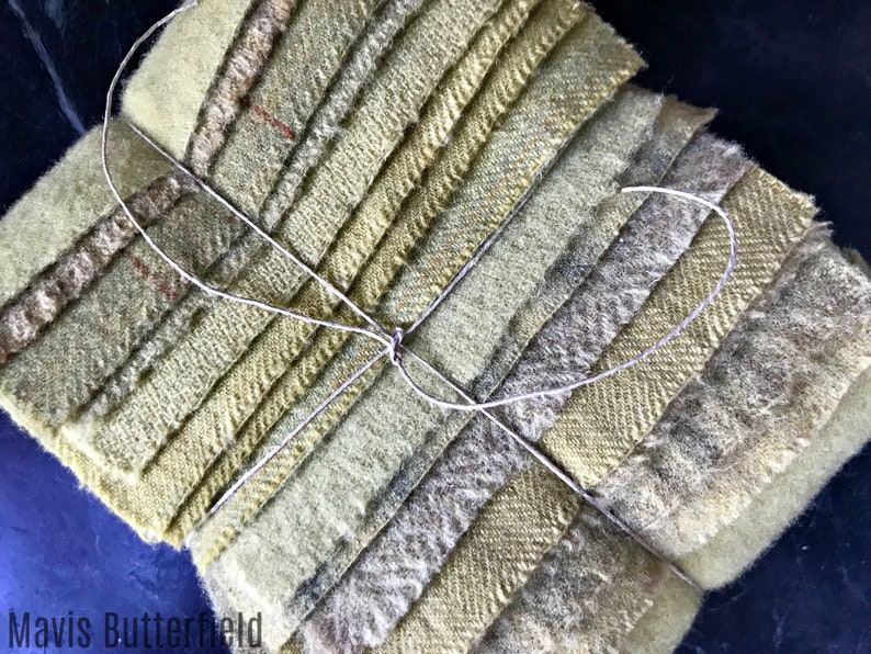 Hand Dyed Wool Fabric 15 Split Pea Green Fat 116 Sixteenth for Primitive Rug Hooking