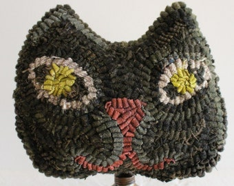 Primitive Folk Art ~ Halloween ~ Hooked Wool Rug Black Cat Make Do on Old Oil Can