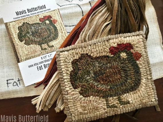 RUG HOOKING KIT - Fat Brown Hen on Linen