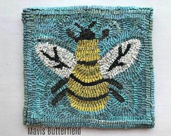 Folk Art Primitive Wool Hooked Rug Busy Little Bee