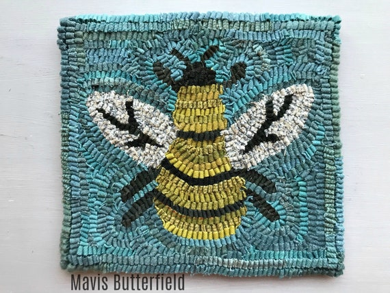 Folk Art Primitive Wool Hooked Rug Busy Little Bee