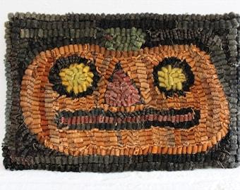 Rug Hooking Pattern ~ Spooky Pumpkin on Linen ~