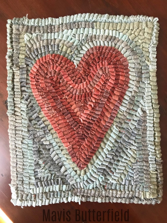 Folk Art Primitive Wool Hooked Rug ~ Primitive Red Heart ~