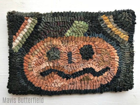 Primitive Halloween Folk Art Hooked Pumpkin Small Rug ~ Early Style