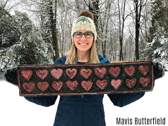 Folk Art Primitive Wool Hooked Rug Red Valentine Heart Table Runner