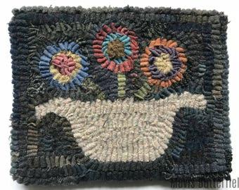 Primitive Folk Art Hooked Rug Penny Basket