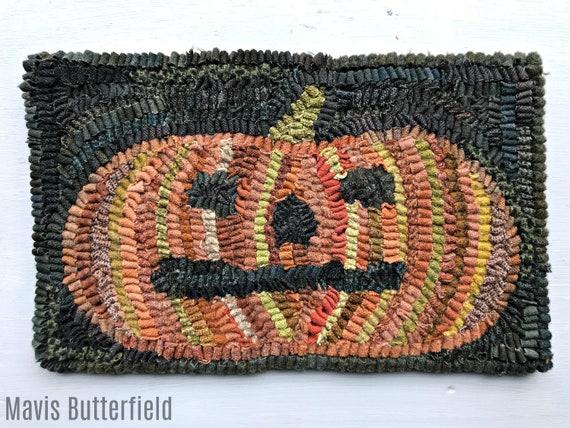 Primitive Halloween Folk Art Wool Hooked Pumpkin Rug