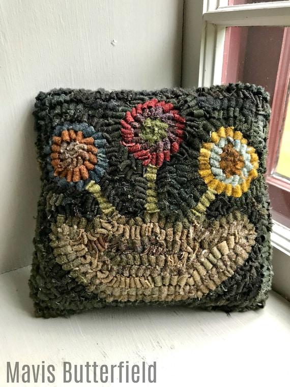 Primitive Folk Art Mini Hooked Rug Penny Circle Flower Basket Pillow