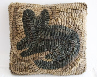 Primitive Wool Folk Art Hooked Rug Old Cat PILLOW ~ Early Style