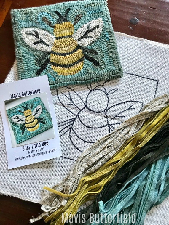 RUG HOOKING KIT - Busy Little Bee on Linen