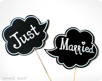 Photobooth Props - Small Wedding Signs with TEXT - JUST MARRIED Sings on sticks - Set of 2 photobooth signs