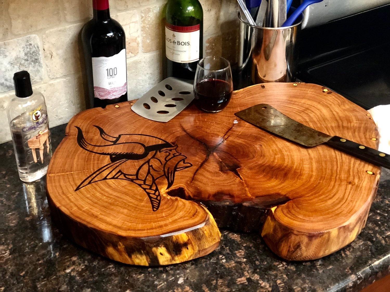 the best attitude 20a7d 419c4 Minnesota vikings Custom cutting board your design NFL ...