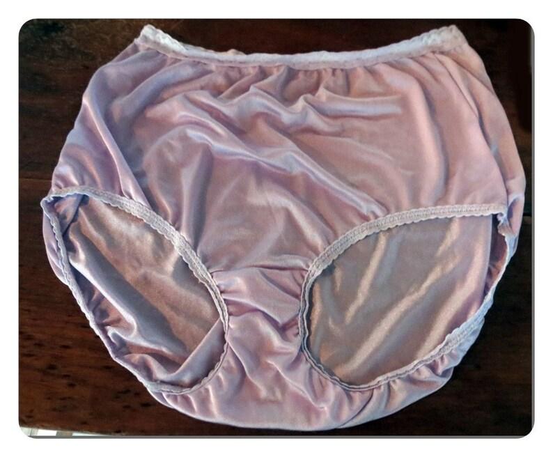 3b2d33790 Mauve Haines Vintage Nylon Panties Size 9