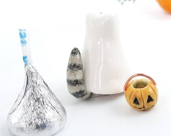 Pottery Wildlife Raccoon Ghost Figurine, Miniature Ceramic Woodland Animal Ornament, Mini Jack o Lantern Halloween Lover Gift, Artisan Made