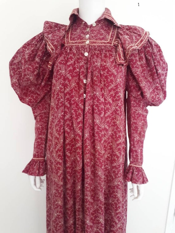 Antique Victorian 1890's Burgandy Paisley Calico W