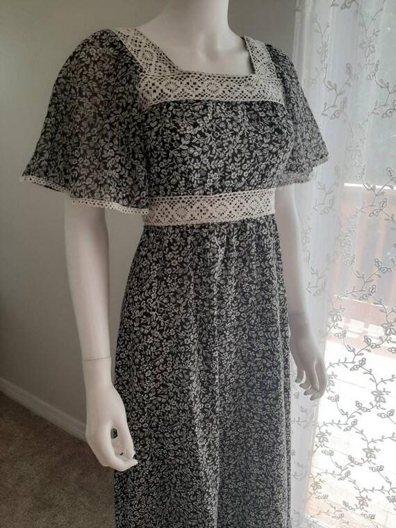 Vintage 1970s Calico Maxi Prairie Summer Dress
