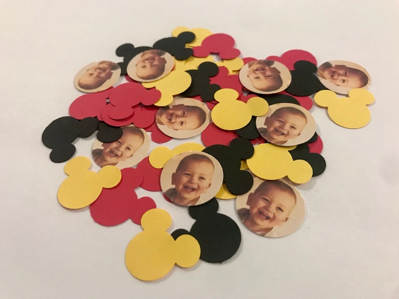 Mickey Mouse Photo Confetti  125 Pieces 1 Inch    Party image 0