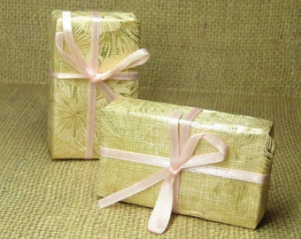 Miniature presents wrapped gift box dollhouse package Christmas Birthday Anniversary large gold pink ribbon mini crafts embellishment supply