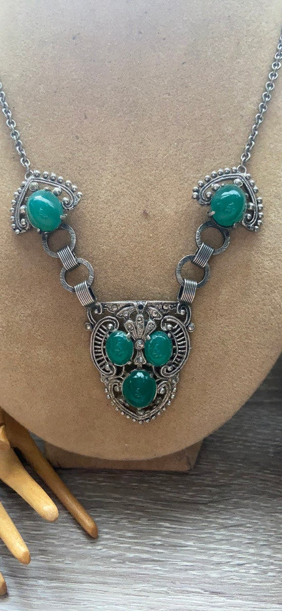 Art Deco Chrysoprase Cabochon Necklace