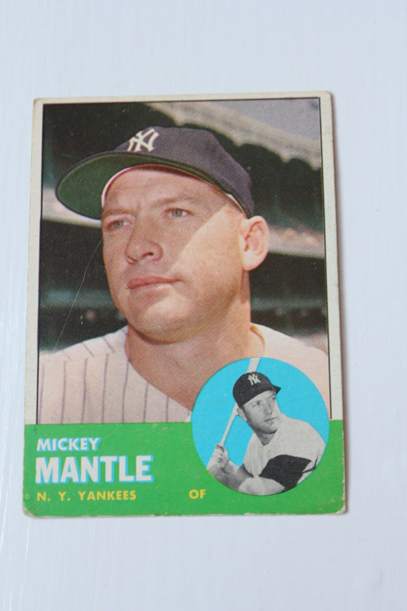 Mickey Mantle New York Yankees 1963 Issued Topps 200 Baseball Card