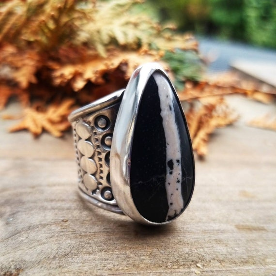 Size 8 White Buffalo Ribbon Turquoise Ring, Sterling Silver Stamped Statement Ring