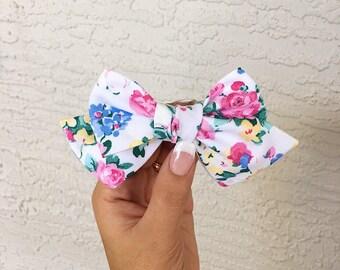Vintage floral bow - white