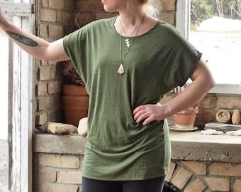 Short Sleeve Batwing Tunic (dolman sleeves - loose tunic - drop shoulders - bamboo tunic - boho - short sleeve tunic)