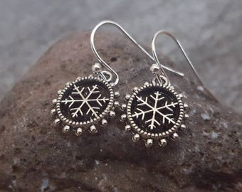 Snowflakes Earrings, Antique Silver Snowflakes Earrings, Snowflakes Jewelry, Christmas Earrings, Stocking Stuffers, Let it Snow,Gift for her
