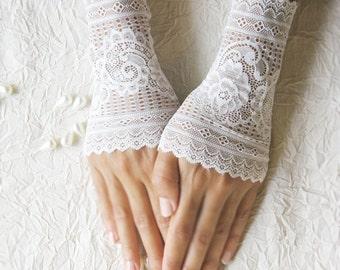 wedding lace gloves, ivory gloves, short gloves
