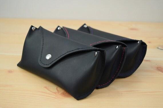 Etui à lunettes, en cuir noir, Etui a lunettes, lunettes housse, étui en  cuir, Etui en ... 7f594a1fff4