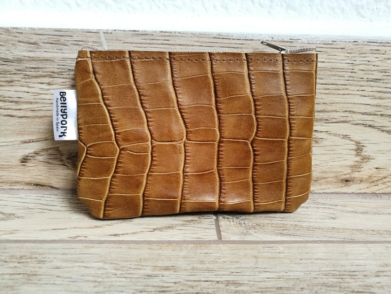 Leather coin pursealligatorbrown leather pursebrown coin image 0