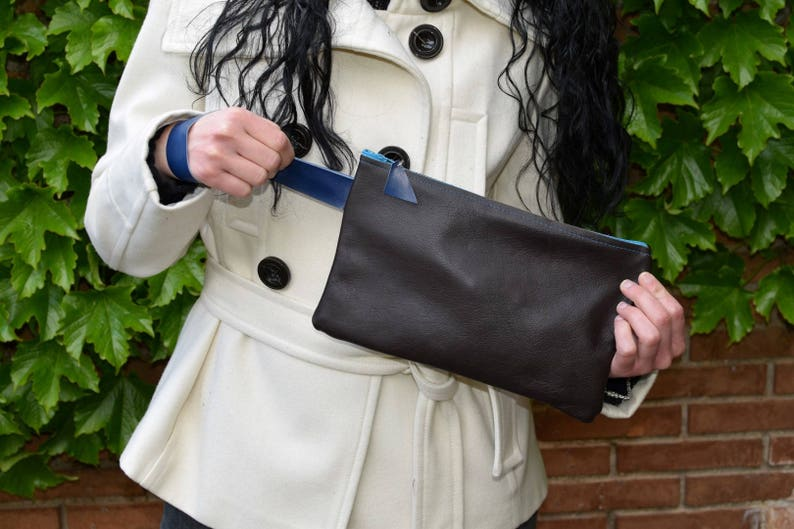 Leather clutchbrown clutchleather handbagwristlet image 0