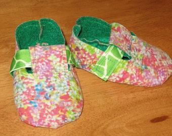 Handmade newborn baby shoes - multi-colored