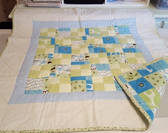 Handmade blue and green flannel baby quilt - Animals