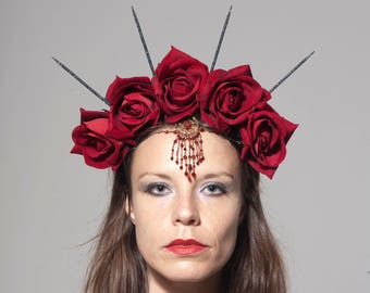 Gothic Vampire Queen headdress, Floral Crown with Red Roses and Chain, Burlesque Headpiece, Flower Crown, Halloween headwear