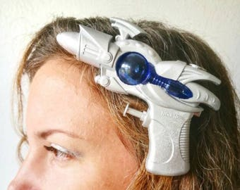Space Ray Gun Fascinator, sci-fi hair accessory, space fascinator, geek hair accessory, cosplay costume accessory, halloween costume hat