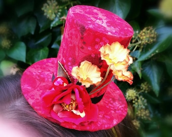 Red Mini Top Hat in Autumn colours, Festival hat, Miniature hat, Wedding fascinator, Steampunk accessories, Races headwear, confetti box