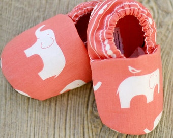 Elephant Baby Shoes. Coral Pink Elephant Organic Handmade Baby Shoes  - Toddler Slippers. Baby Booties. Soft Sole Baby Shoes.