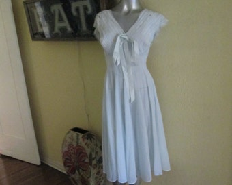 1950s Henson Nightgown Size 34   Vintage Light Blue Lace Fitted Nightgown  Stunning 3ba74f5ff