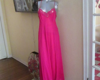 Vintage 1960s Sexy Nightgown Olga Red Small Long Lace Nightgown bf05c9cdd