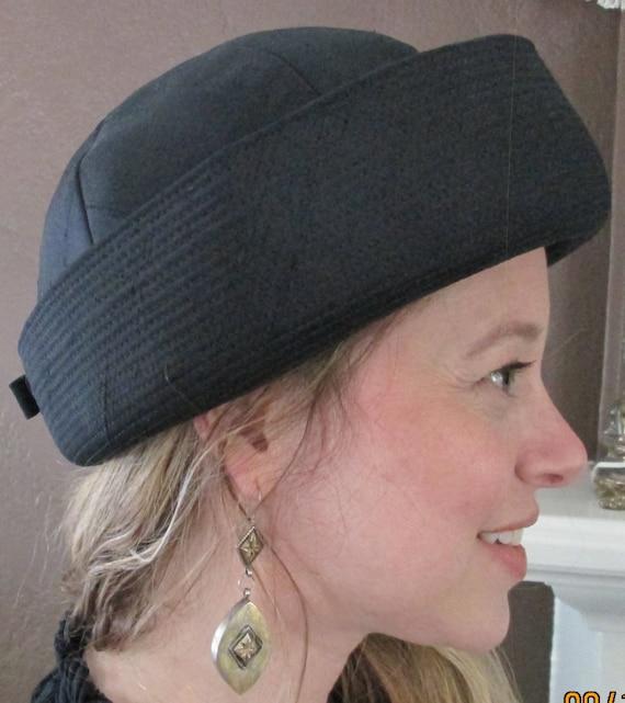 Vintage Woman Hat   Cloche Black Helmet Hat   Betmar Art Deco  e522dd4715fa