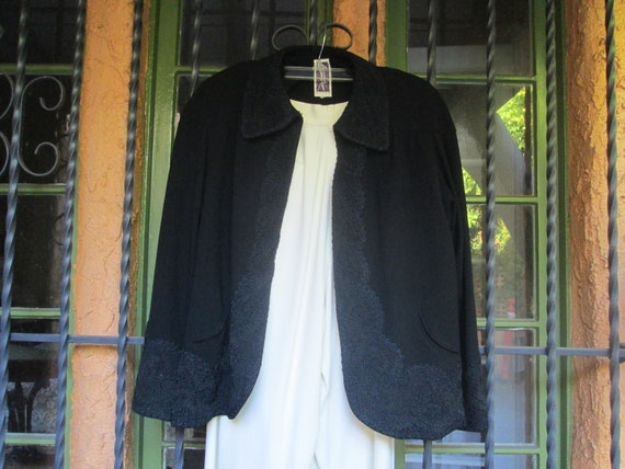 Gorgeous Embroidered 40s Style Swing Jacket / Blac