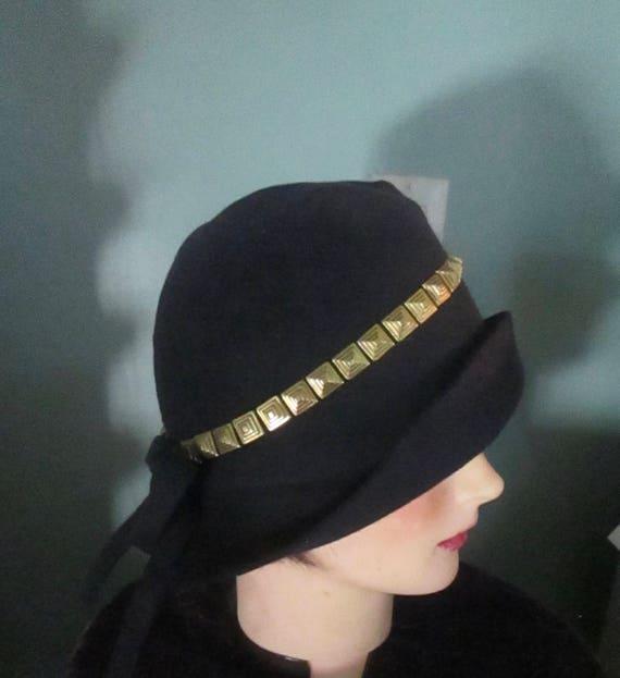 Vintage 1930s Small Cloche Bucket Hat Art Deco Gold Studs    cce28e973f37