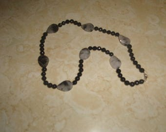 vintage necklace black glass white black marbled