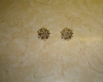 vintage screw back earrings goldtone star coro