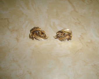 vintage clip on earrings goldtone leaves