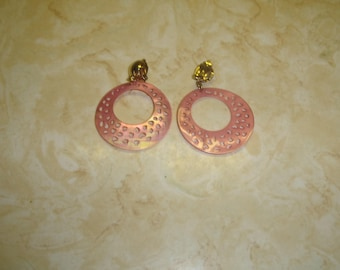 vintage clip on earrings pink lucite cutouts dangles