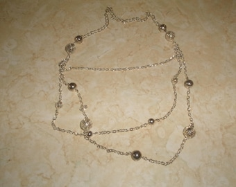 vintage necklace triple strand silvertone chain netted balls